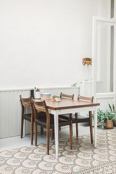 Love this table and chairs // Less Is More