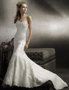 wedding dress styles, lengths, and advice; also a picture of a beautiful lace wedding dress
