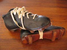Botas de fútbol, Perla nº29 (España) 1940. (Colección particular de Pablo Gines)