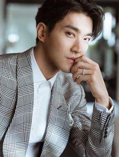 our handsome Choi Siwon from Super Junior Heechul, Eunhyuk, Super Junior シウォン, Donghae Super Junior, Choi Siwon, Kim Woo Bin, Bae Suzy, Korean Men, Asian Men