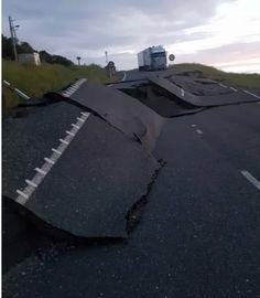 New Zealand's earthquake 14/11/2016.  pics from around Kaikoura