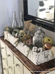 Looking for some easy DIY fall pumpkin decor? It only takes a few minutes to cre. Looking for some easy DIY fall pumpkin decor? It only takes a few minutes to cre. - Looking for some easy DIY fall pum. Rustic Fall Decor, Fall Home Decor, Autumn Home, Diy Home Decor, Holiday Decor, Christmas Decorations, Diy Christmas, Ramadan Decorations, Rustic Chic