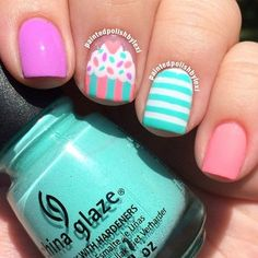 Hand painted cupcake design using gorgeous polish colors are featured in this cute nail art. Have your dose of some sweet nail art inspiration here. Cute Nail Art, Cute Nails, My Nails, Glitter Nails, Birthday Nail Designs, Birthday Nails, Birthday Design, Art Birthday, August Birthday