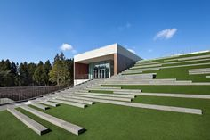 roof garden slope south korea landscape architecture landarchs green roof amphitheater the forum D-LIM Architects golf course concert entertainment outdoor building design