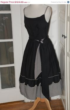 50%SALE 50s Dress Full Skirt Cotton Black by fourstoryvintage
