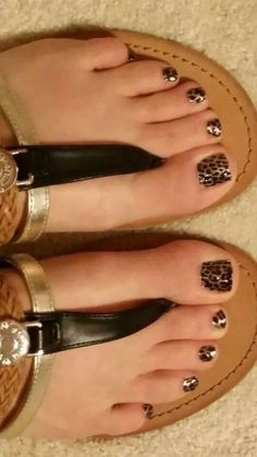 Jamberry Gilded Leopard - Jamberry Nail Wraps are Buy 3, Get 1 FREE! Click here to order -> http://www.sarahseltzer.jamberrynails.net