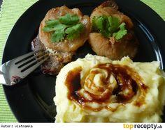 Bravčové karé s jablkami a zemiakovou kašou Pork, Meat, Kale Stir Fry, Pork Chops