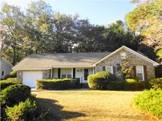 Charming Brick Ranch Home in Mt. Pleasant!