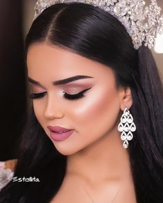 Dress by Make up by Aysel and hairstyle by Aynure – 012 570 15 012 511 72 341 94 Photo… - Coiffure Sites Wedding Eye Makeup, Wedding Makeup Looks, Natural Wedding Makeup, Bride Makeup, Glam Makeup, Romantic Makeup, Gorgeous Makeup, Couture Makeup, Princess Makeup