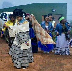 Umakoti ngowethu Siyavuma Ungowethu ngemphela  Siyavuma Xhosa Attire, African Attire, African Dresses For Women, African Women, African Clothes, African Men Fashion, African Fashion Dresses, African Goddess, African Royalty