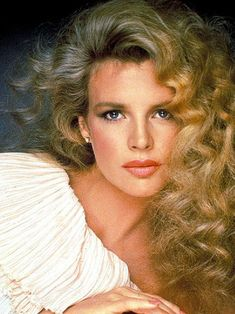 Kim Basinger as older Cathy