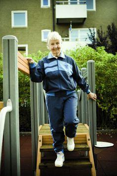 Bewegen voor ouderen is belangrijk, zo blijven ze fit en zelfstandig. Yalp en Olga Commandeur zorgen samen dat ouderen op een leuke manier in beweging komen. Dit doen zij op een speciale manier: met een speeltoestel voor ouderen. www.yalp.nl/oudereninbeweging