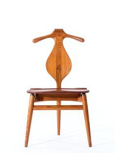 http://www.auction.fr/_fr/lot/hans-j-wegner-1914-2007-chaise-dite-laquo-valet-raquo-ndash-1953-structure-en-pin-7988288