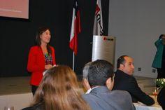Sira Morán, Directora de Admisión y Comunicaciones da la bienvenida a los invitados