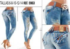 Tenemos disponibles este pantalón vaquero levanta cola en talla 6. Consulta precios por privado, por Whatsapp al 0034 682379186 o por la web http://www.ropadesdecolombia.com/index.php?route=product/category&path=109
