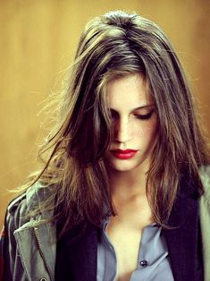 Long layers. Casual part. Volume and movement. | Marine Vacth - French women