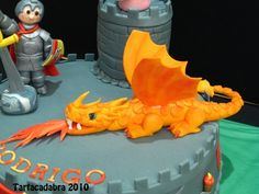 Knight and dragon cake (close up)