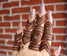 Get Latest Collection of Amazing Unique Henna Tattoo Designs here. Simple and Easy Henna Tattoos Ideas Photos for Hands, Arms, Back, Wrist, Feet.