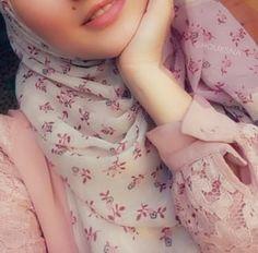 Cute Girl Poses, Girl Photo Poses, Girl Photography Poses, Girl Photos, Cute Girls, Cute Girl Photo, Beautiful Girl Photo, Beautiful Hijab, Hijabi Girl
