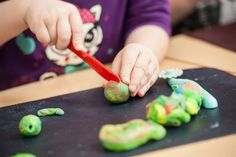 Easy DIY Playdough Recipe That is Safer for Kids Life Cycle Craft, Activities For Kids, Crafts For Kids, Family Crafts, Educational Activities, Outdoor Activities, Homemade Playdough, Marshmallow Playdough, Wie Macht Man