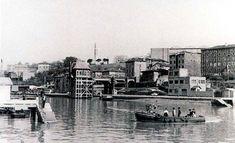 Passenger ferry between the Ribera de Deusto and Olabeaga, Bilbao, San Mamés, New York Skyline, Architecture, Travel, Painting, Antique Photos, Cities, Historia