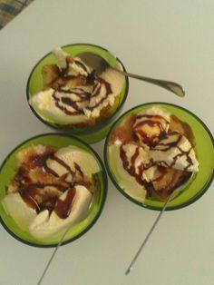 flan+helado=dulce postre Flan, Zucchini, Vegetables, Pastries, Sweet Treats, Ice Cream, Dessert, Pudding, Summer Squash