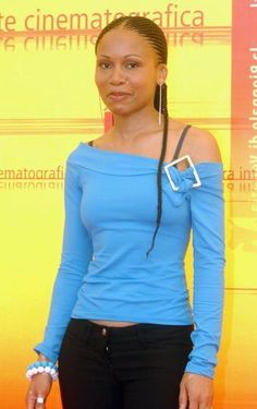 Leleti Khumalo, actress