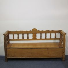 LARGE ANTIQUE PINE BOX BENCH WITH STORAGE