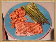 Good clean food...grilled salmon and asparagus with sweet potato cinnamon crisps:)