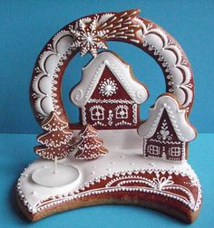 A different take on Gingerbread houses. Gingerbread Village, Christmas Gingerbread House, Gingerbread Cake, Christmas Cookies, Christmas Baking, Christmas Time, Ginger Cookies, Gorgeous Cakes, Cookie Designs
