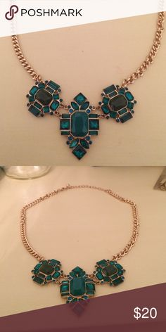 JCrew Staement Necklace Green emerald JCrew statement necklace with gold chain. No damages, perfect condition! J. Crew Jewelry Necklaces