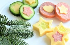 Christmas snacks for a Christmas dinner treat at school; Make easy and quick kids' snacks for Christmas breakfast, high tea or lunch. Kid Party Appetizers, Fingerfood Party, Snacks Für Party, Appetizers For Party, Christmas Party Food, Xmas Food, Christmas Breakfast, Cute Food, Good Food