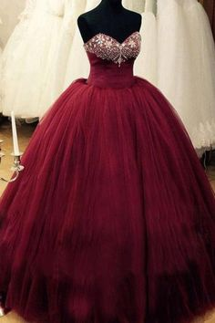 Romantic Burgundy Quinceanera Dresses Sweetheart Beaded Tulle Puffy Formal Prom Wedding Ball Gowns