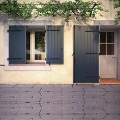"Résultat de recherche d'images pour ""volets gris bleu"" Houses In France, Home Id, Window Shutters, Indoor Outdoor, Outdoor Decor, Exterior Paint, Beautiful Homes, Sweet Home, New Homes"