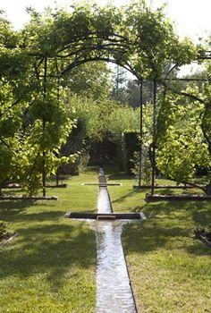 Un lieu magique qui invite à un parcours initiatique végétal de toute beauté. Photo © José Nicolas.