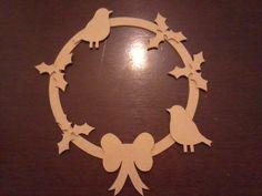 Holly and robin wreath £4.50
