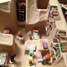 La biblioteca de Tatooine, hecha de material de embalaje