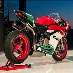 Ducati Flag Paint Job
