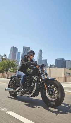 Comes at you with more low-slung Dark Custom attitude than ever, from its fat front end to its cast aluminum wheels. | 2017 Harley-Davidson Forty-Eight