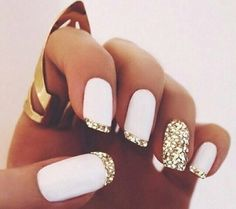 uñas elegantes decoradas de blanco