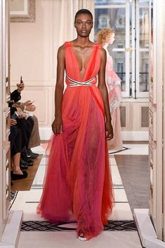 Schiaparelli - Paris Couture Fashion Week As Seen In 32 Stunning Photos Pink Spring Dresses, High Fashion Dresses, Fashion Week 2018, Couture Week, Fashion Gallery, Spring Summer 2018, Couture Collection, Couture Fashion, Paris Fashion