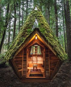 Fantastic forest cabin that is all covered with moss from the outside. Wooden exterior for cozy little moments in the woods. Biophilic Architecture, Architecture Design, Sustainable Architecture, Forest Cabin, Forest Cottage, Little Cabin, A Frame House, Tiny House Cabin, Cabins And Cottages