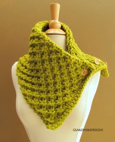 Knit cowl with chunky yarn