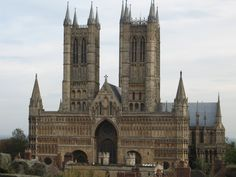 Commissioned by William the Conqueror in 1072 the Cathedral in Lincoln is one of the finest examples of gothic architecture in the country.