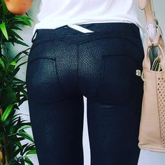 This Python Italian designed Pant offers the patented WR.UP® technology that enhances a woman's femininity through special seams, a silicone membrane and striking cuts to support and shape for a perfect fit. Shop now --->>> http://www.livify.ca/products/freddy-wr-up-python-leather-effect-black