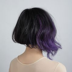 This cut is similar to the one I already have, the addition of color is nice....