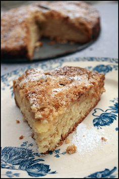 Irish Apple Cake   http://www.chezbeckyetliz.com/2012/03/semaine-speciale-saint-patrick-apple-cake.html