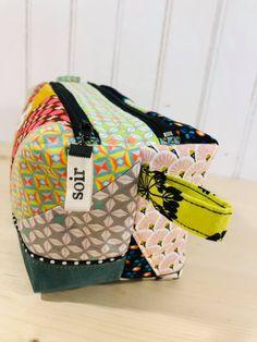 Trousse Zip-Zip en patchwork coloré cousue par Alexandra - Patron Sacôtin