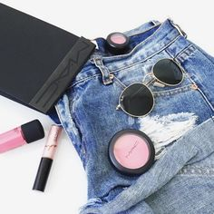 CLICK HERE http://www.youtube.com/channel/UCqEqHuax3qm6eGA6K06_MmQ?sub_confirmation=1 SUNDAY ESSENTIALS Our Mid Blue Denim Shorts and MAC #regram @leo_and_otherstories #makeup #denim #shorts #makeup #maccosmetics #sunglasses #fashion #style #inspiration #fashioninspiration  #styleinspiration #pink #blusher #lipgloss #lips #beauty #beautyinspo #styleinspo #look #trend #rayban #weekend #essentials #ootd #ootn #fblogger #bloggers #Glamorous #BeGlamorous by ukglamorous