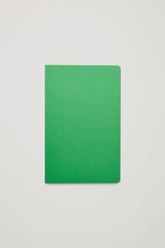COS HAY edge notebook in Green